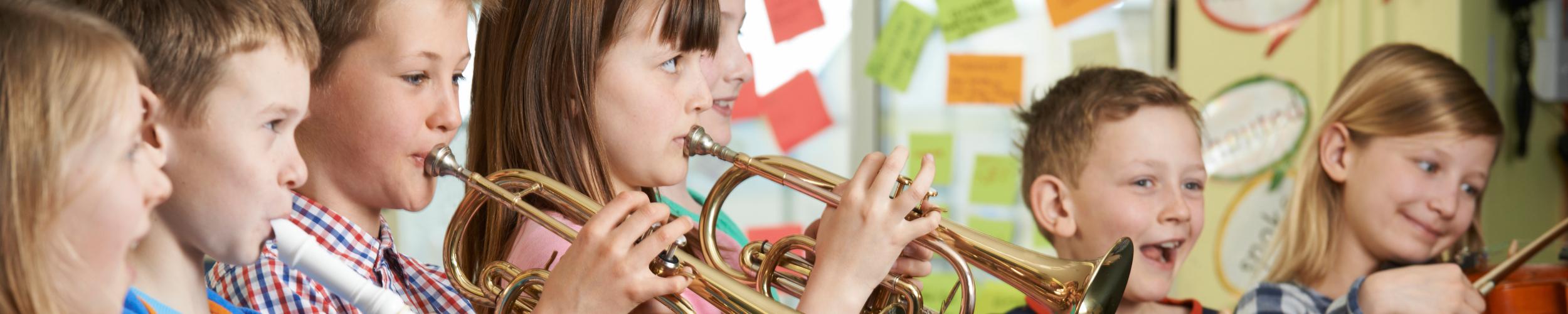 Lessen muziek, woord en dans