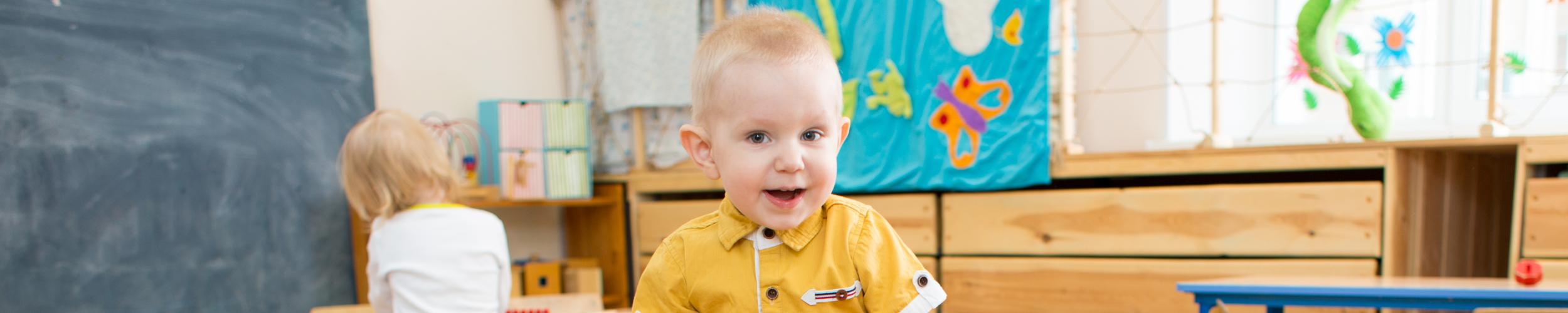 Opvang van een baby of peuter